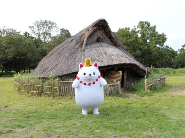加曽利貝塚のPRキャラクター「かそりーぬ」。縄文時代の狩猟の友「犬」がモチーフ。
