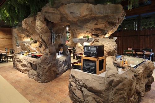 東京ディズニーリゾートからすぐの変なホテル舞浜東京ベイのレストラン「ジュラシックダイナー」