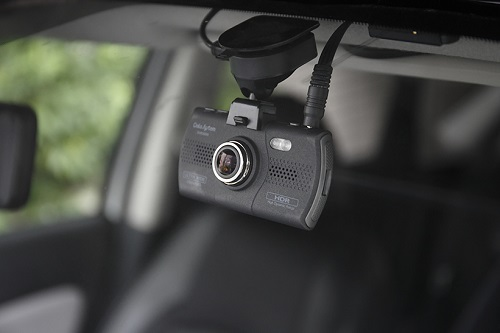 ドライブレコーダーの選び方。あおり防止にも役立つ