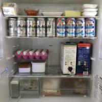 週の始めに1週間分の買い物をするというミニマリスト阪口ゆうこさんの冷蔵庫の中