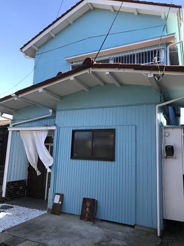千葉県鎌ケ谷市CBPAC 外観水色の建物が目印
