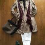 シンプルな冬の定番服をおしゃれに変えるストールを取り入れたコーディネート