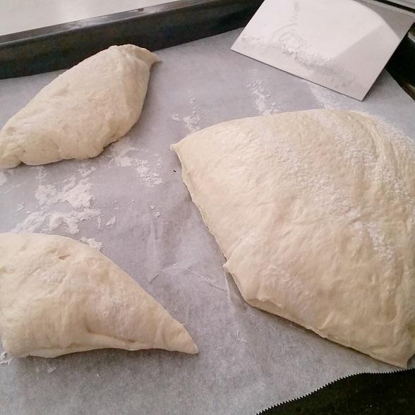 忙しい朝に。夜発酵して朝焼くだけのパン