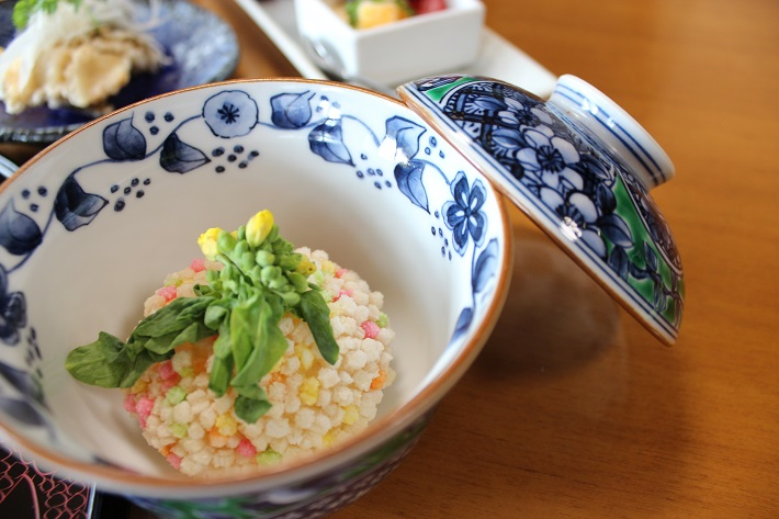 千葉県佐倉市にある家庭会席佐治の桜まんじゅう