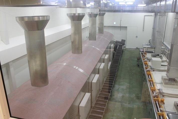 さつまいものスイーツを作る工程が様々見られる工場見学