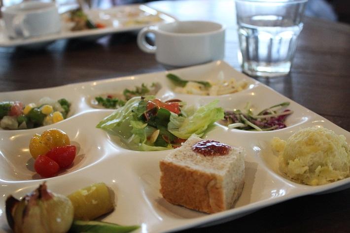 館内のイタリアンビュッフェレストラン「イル リストランテ Farm to the Table なめがた」のビューティーベジタブルビュッフェ