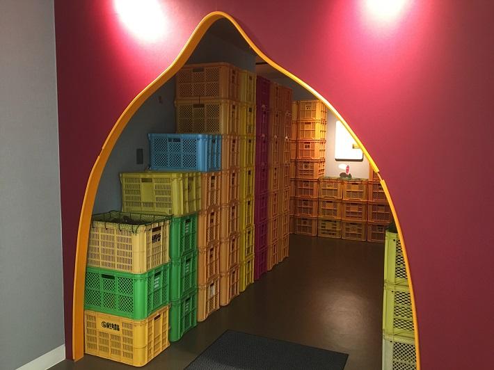 キュアリング倉庫という倉庫の見学ができます。