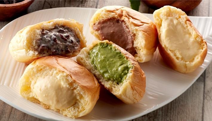 八天堂のくりーむパン。カスタード、チョコ、抹茶、生クリーム&カスタード、小倉の5種
