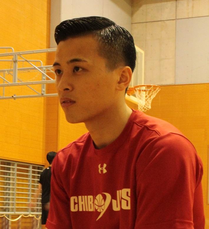 インタビューを受ける千葉ジェッツ富樫勇樹選手