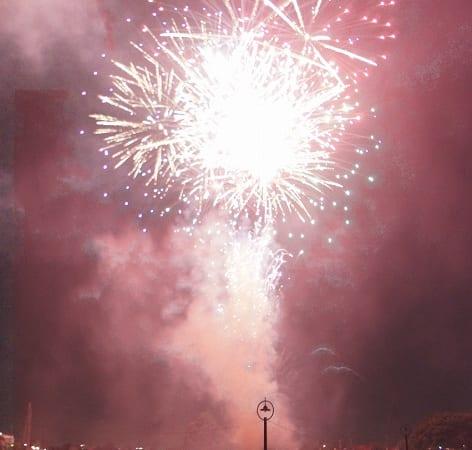 2018年7月25日土曜日に埼玉県越谷市で開催される越谷花火大会は約5,000発の花火が眺められる
