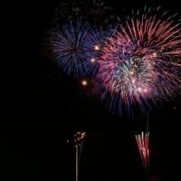 埼玉県草加市の草加市民納涼大花火大会ではそうか公園で打ち上げられる約5000発の花火が華麗に真夏の夜空を彩ります