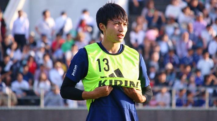 サッカー日本代表選手トレーニングキャンプに参加する柴崎岳選手