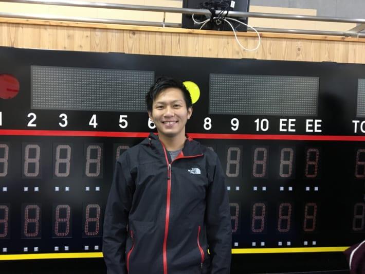 カーリング日本代表両角公佑選手が軽井沢スケートリンク場に登場