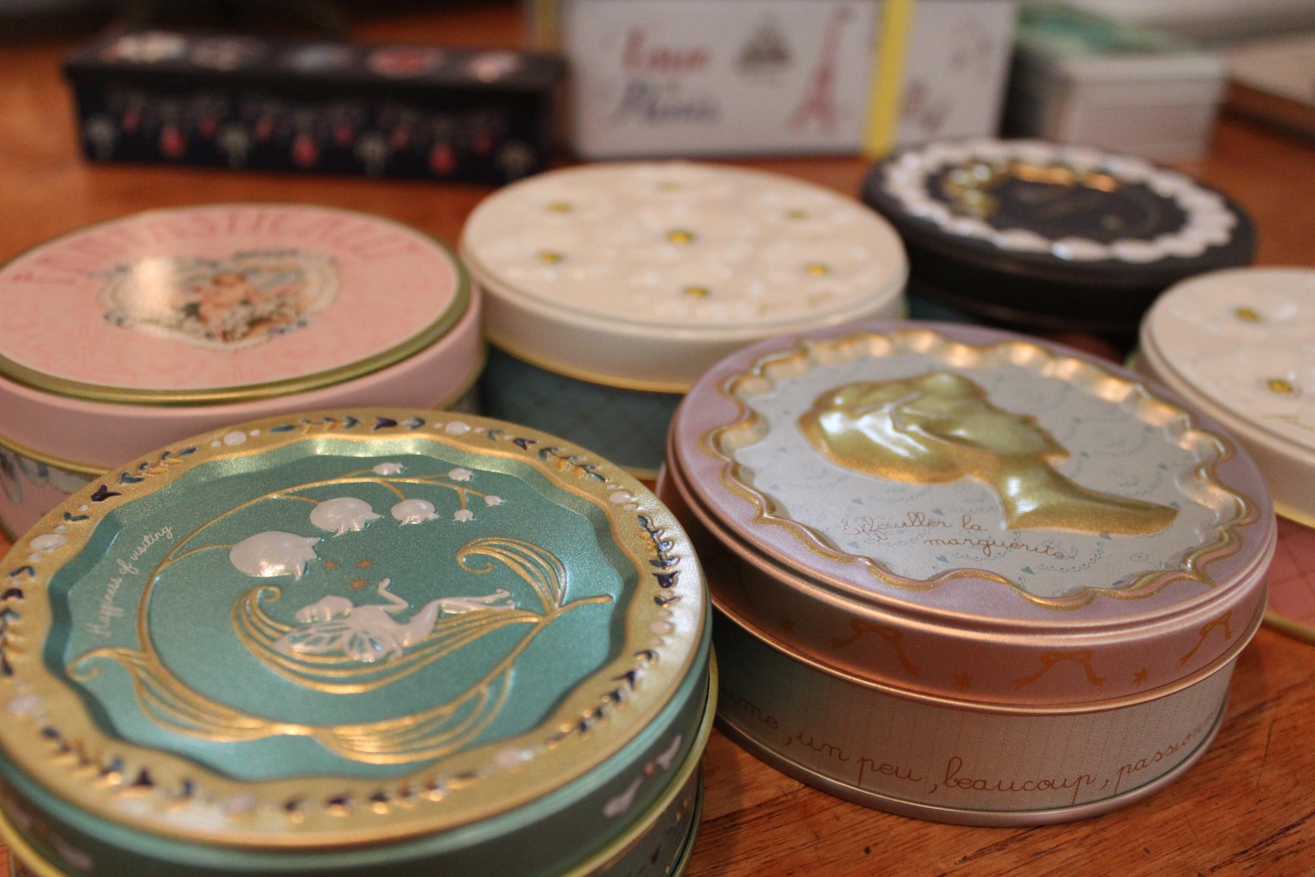 八千代市のタマミィーユではかわいい缶に入ったお菓子が常時10種類以上