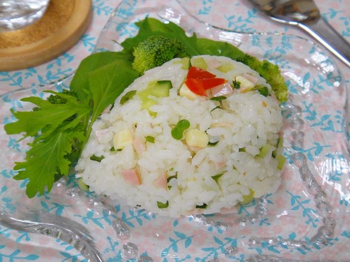 暑い夏にぴったりのさわやかランチレシピ・サラダライス