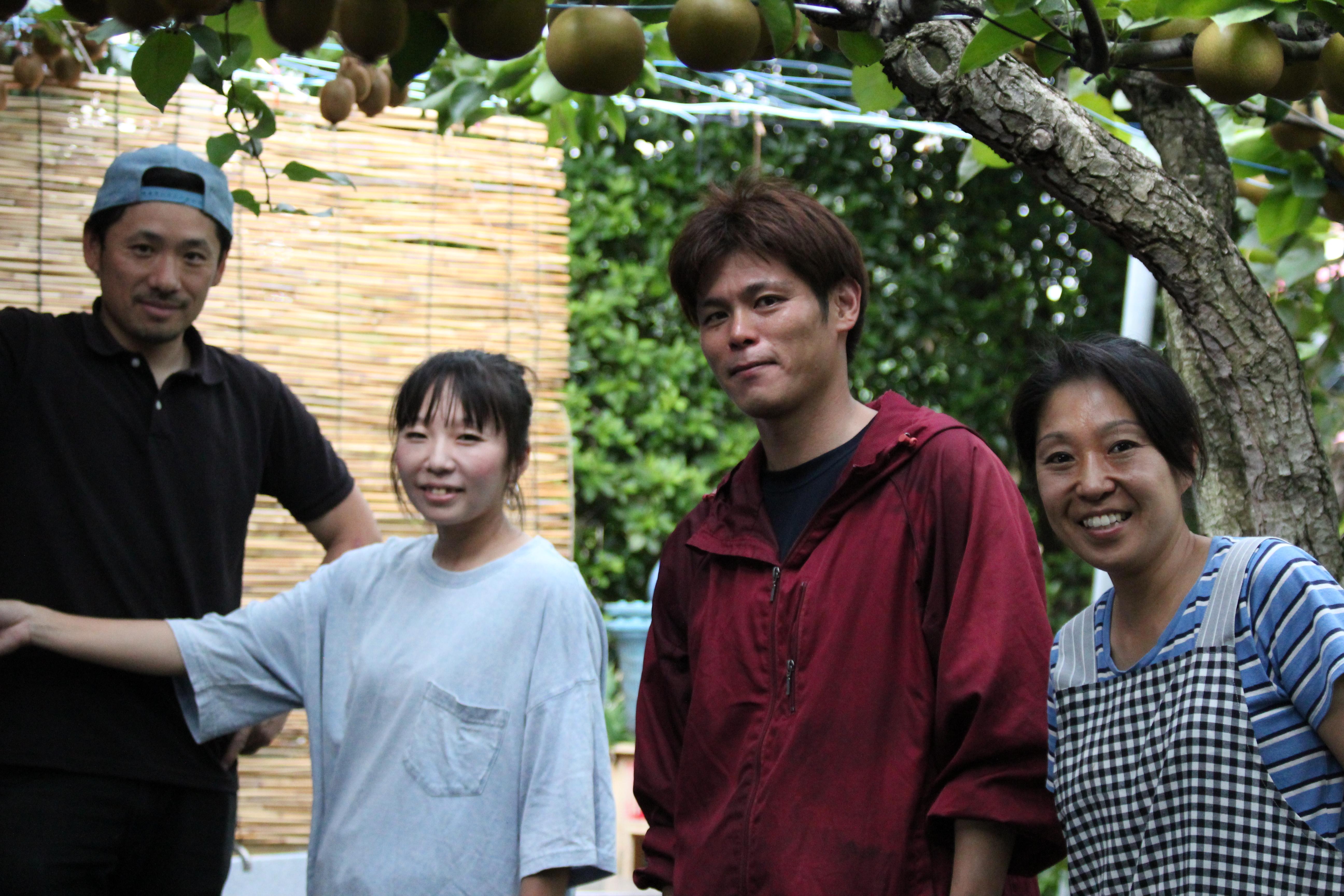 千葉県松戸市「初清園」のオーナー小川さん夫妻といちごやさんのカフェテラスひらおかオーナー夫妻