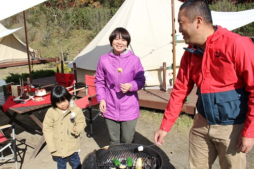 おしゃれ冬キャンプの定番焼きマシュマロ