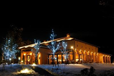 千葉市若葉区のイタリアンレストラン、ラ・クッチーナハナは冬季にライトアップも