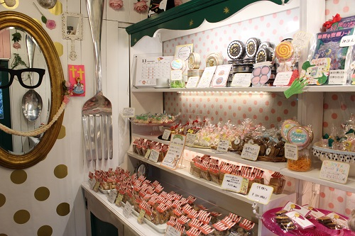 さいたまのカワイイお菓子屋さん「おかしさん」ではユニークな品がいっぱい