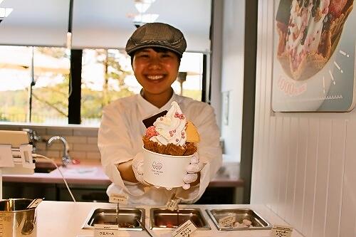 埼玉県飯能市にオープンしたメッツァでは大満足スイーツも味わえる
