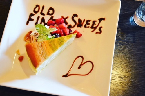 OLD FINE CAFE ゼブラチーズケーキ