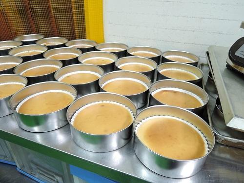 文明堂壱番館春日部店ではオリジナルの「窯だしチーズ」も販売