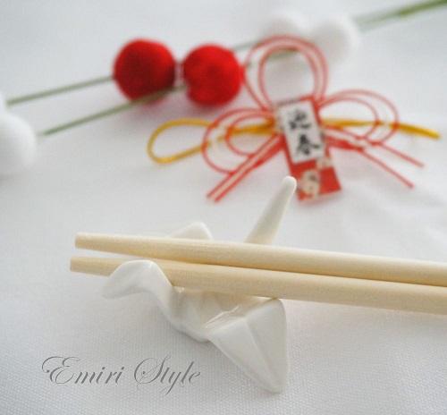 セリアで見つけた折鶴の箸置き
