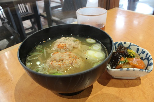 喫茶・軽食 菜の花 一番人気のつみれ汁