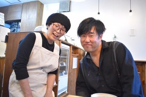 カフェザワールドのオーナー砂田さんご夫妻