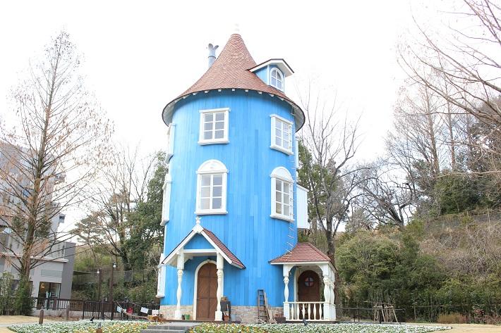 飯能市のムーミンバレーパークのシンボル「ムーミン屋敷」