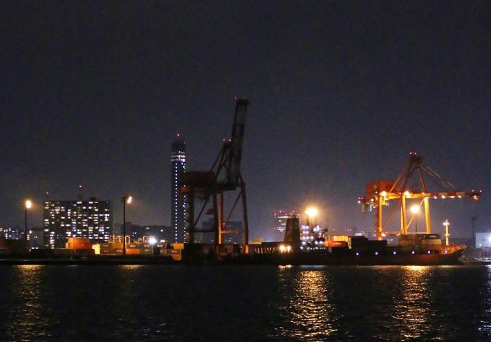 工場夜景クルーズ 港のきりんガントリークレーン