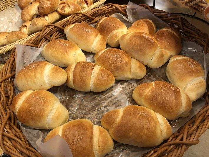 ピーターパン 小麦の丘店塩バターロール
