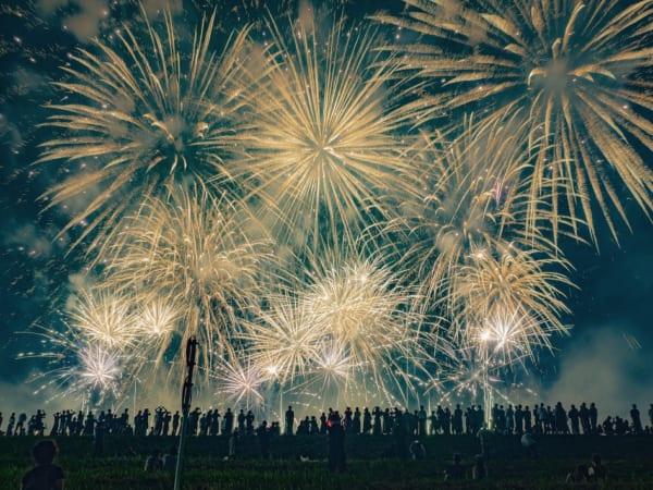 三郷市のみさとサマーフェスティバル花火大会の打ち上げ花火