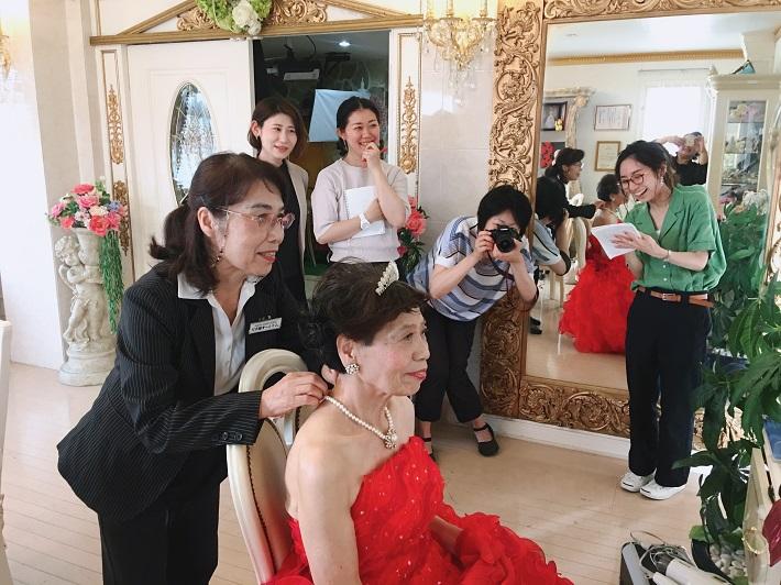 敬老の日やおじいちゃんおばあちゃんの誕生日プレゼントに写真館で記念撮影。