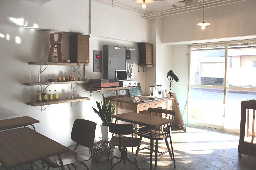 千葉市中央区の日暮らしサンドウィッチのカフェスペース