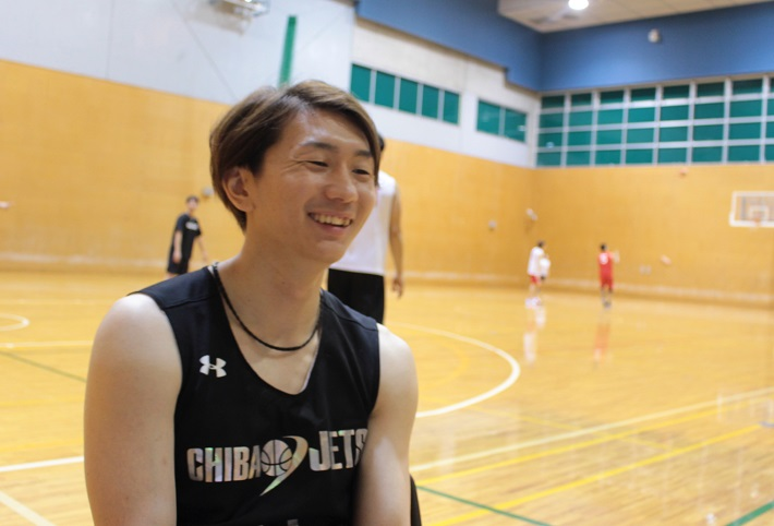 バスケット選手の笑顔