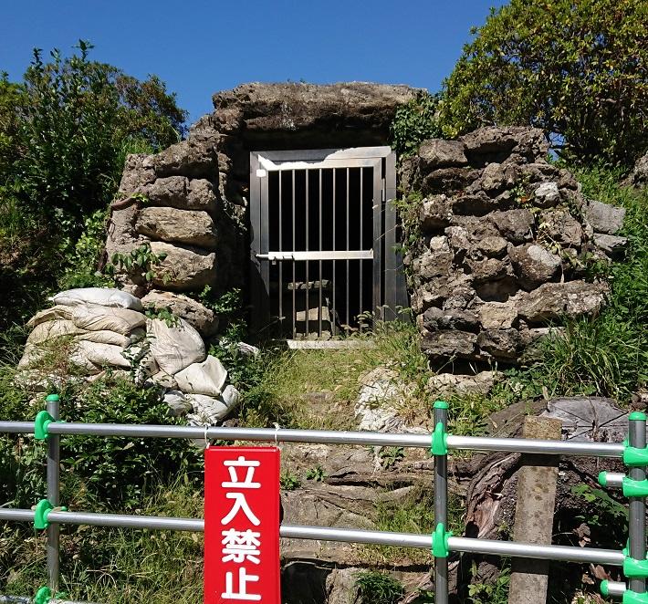 金鈴塚古墳の石室入り口
