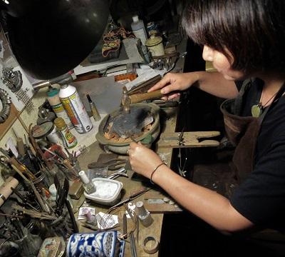 西洋鍛冶職人の女性