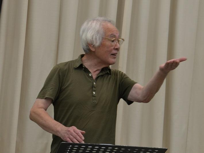 指揮者の唐沢昌伸さん