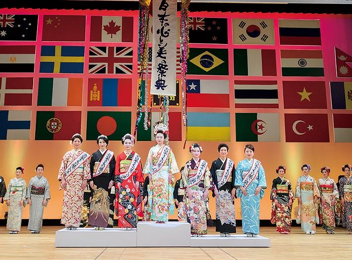 世界大会で「全日本きもの装いの女王」が選ばれる