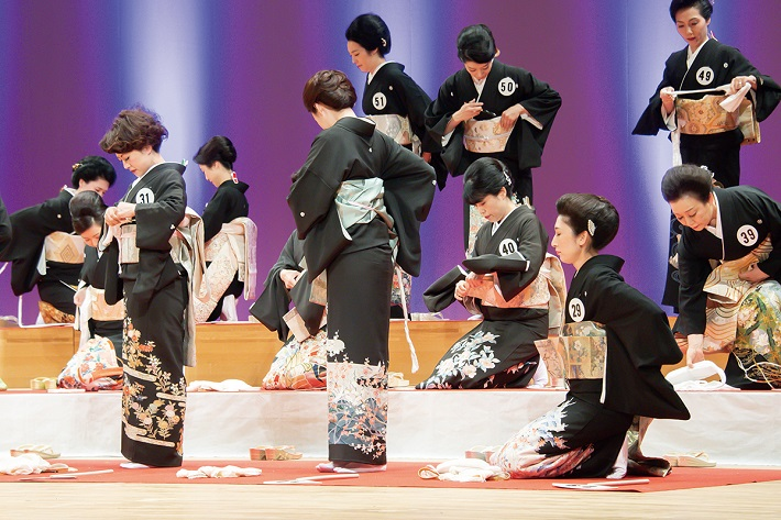大人の部全日本きもの装いコンテストきものフェスティバル