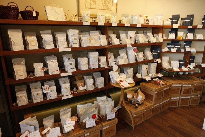 紅茶舗サウザンドリーフの紅茶、店内の様子