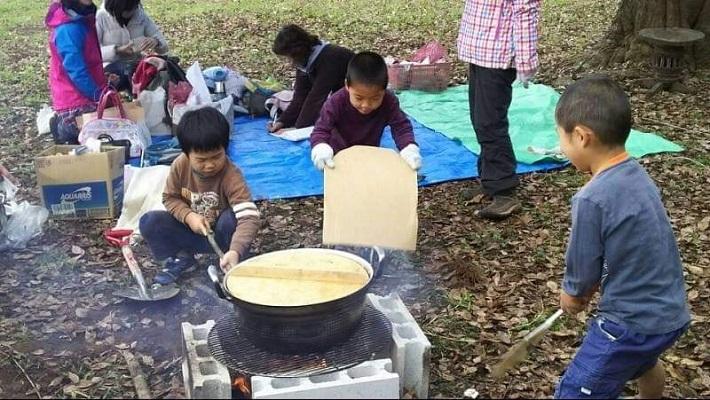 大鍋で作るみそ汁は最高