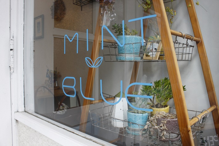 ミントブルー (MINT BLUE)