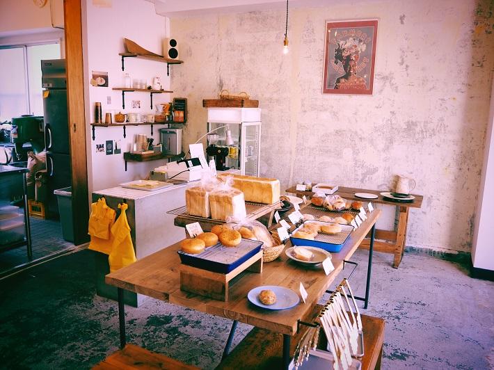 松戸市のパンとおやつのマルサン堂店内
