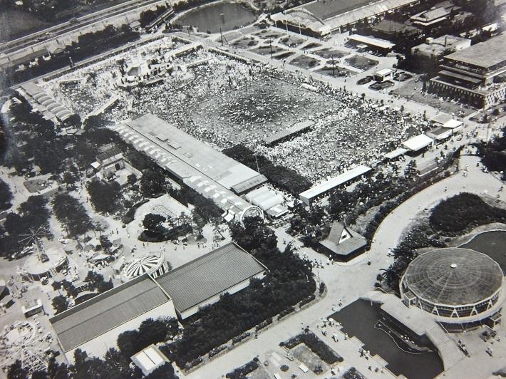 谷津遊園の広大な敷地にあったプールやバラ園