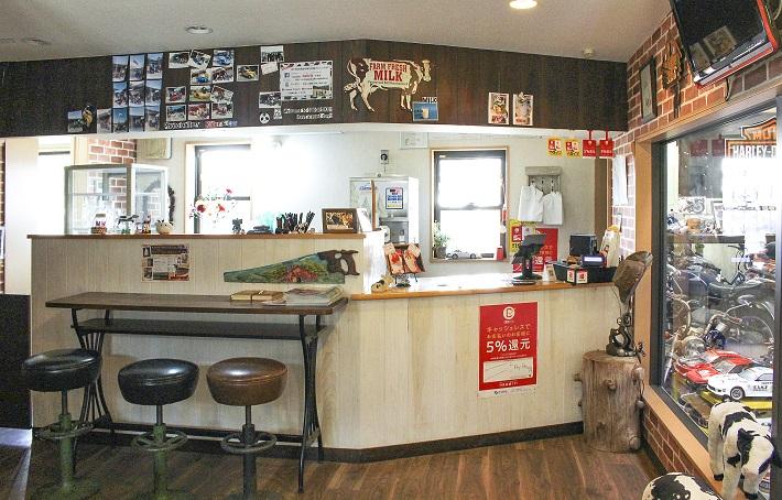 牧場内のスイーツカフェ「COWBOY」