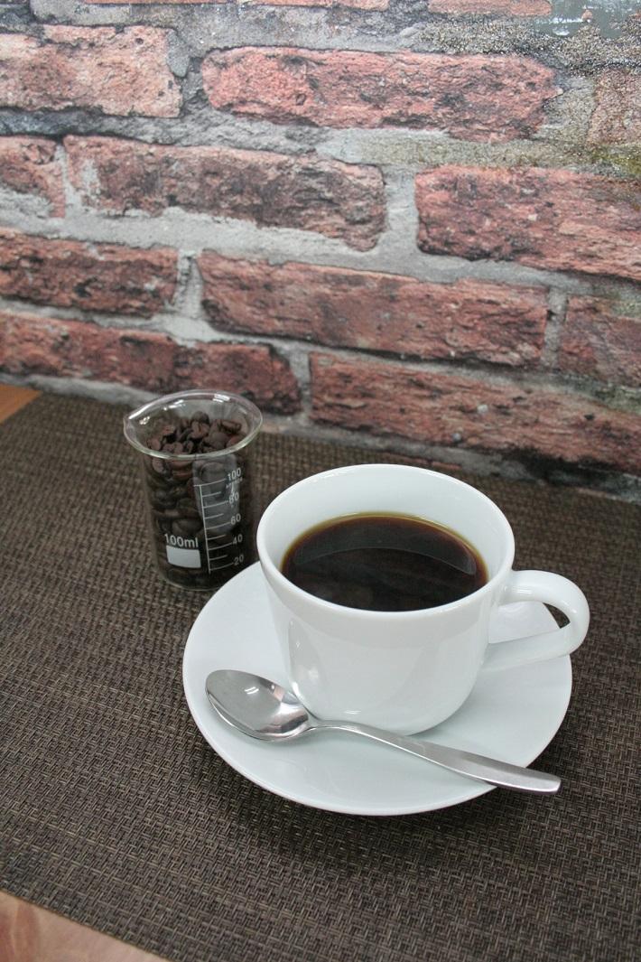 三郷市早稲田のお肉料理とタイカレーと自家焙煎珈琲とクラフトビールと手作りスイーツが朝7時から女性一人でも楽しめる満腹カフェのコーヒー