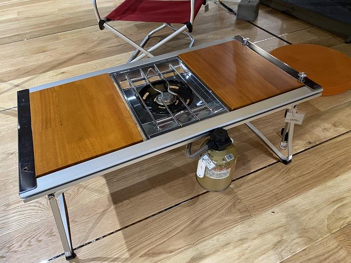 ベランピングにおすすめのテーブルはスノーピークのエントリーIGTはシンプル設計のバーナー(別売)が組み込める
