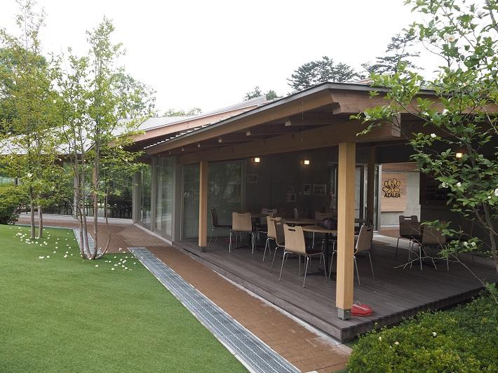 清水公園内のレストラン「cafeアゼリア」